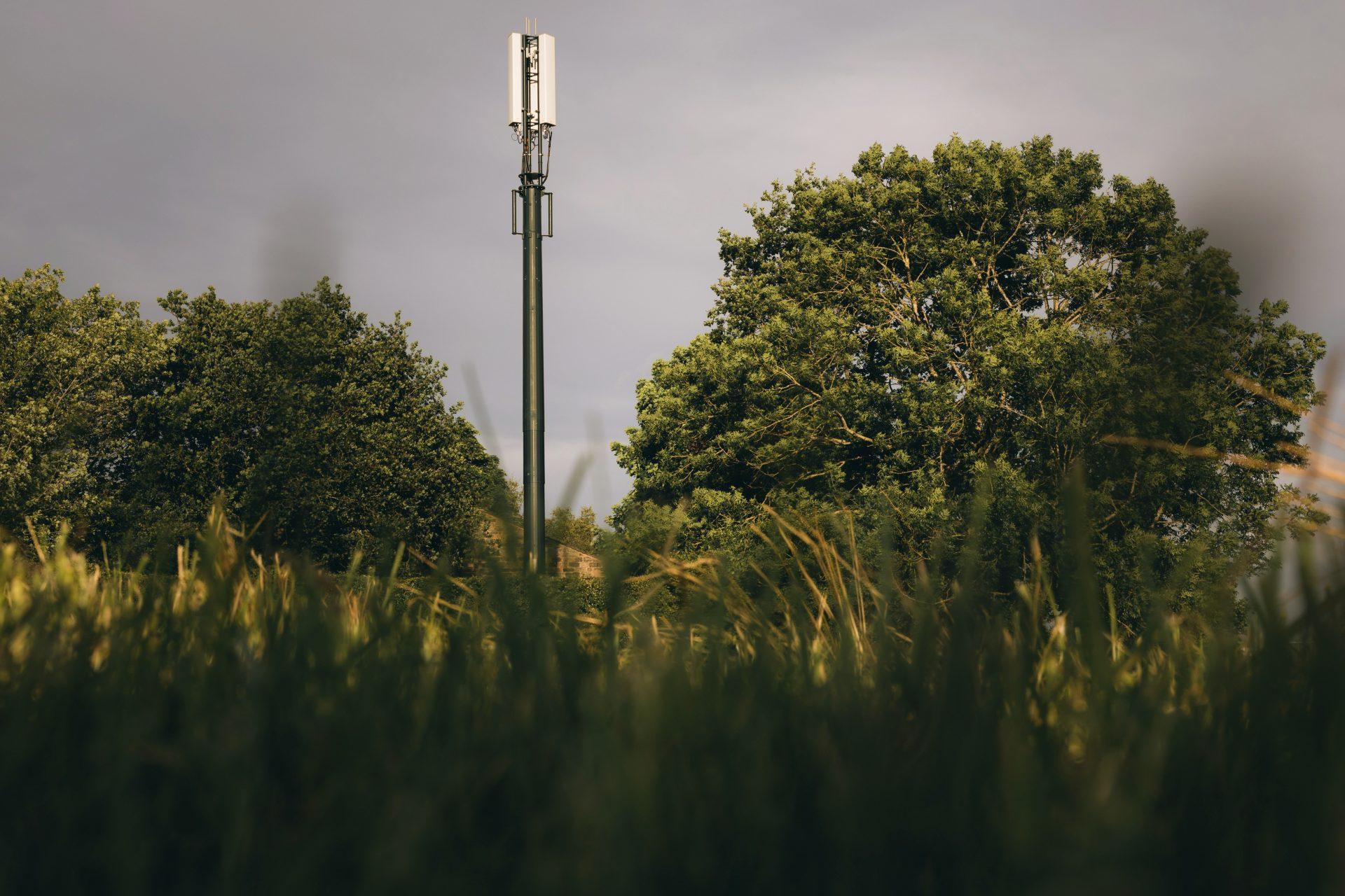 photo of Vodafone's SRN mast in Longnor