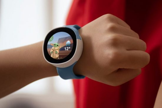 illustrative image of the Vodafone Neo Disney smartwatch for kids