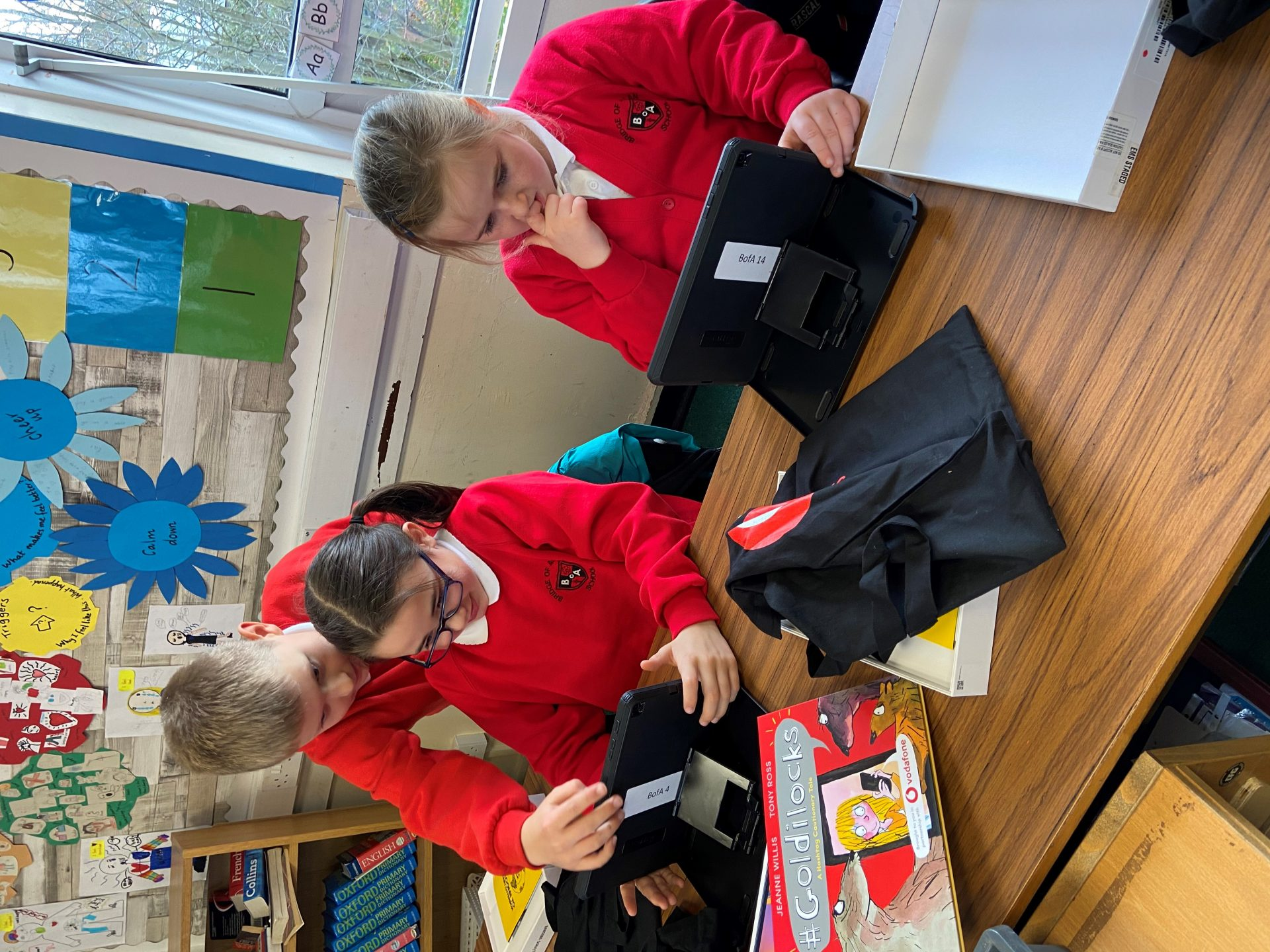 photo of pupils at Bridge of Allan Primary School in Stirling, Scotland