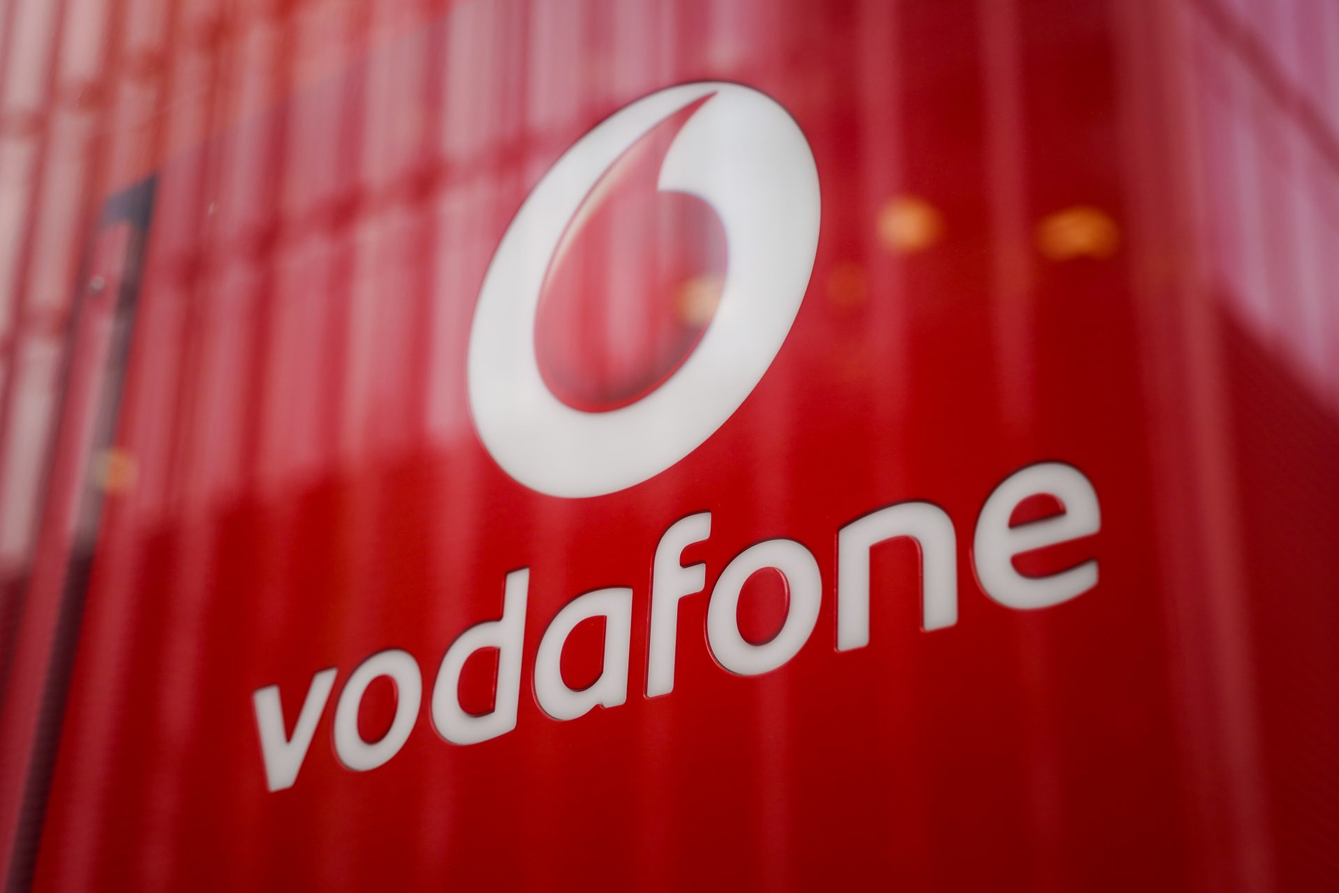 Image of a Vodafone store in London.