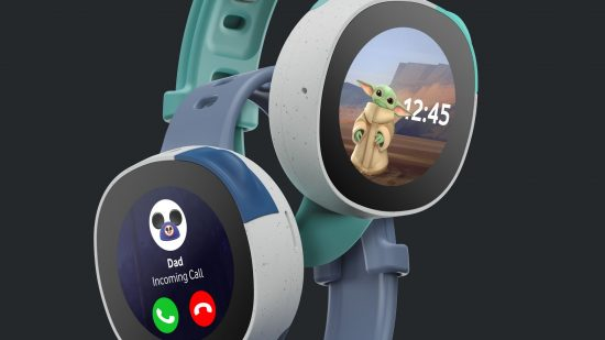 image of the Vodafone Disney Neo smartwatch receiving a call