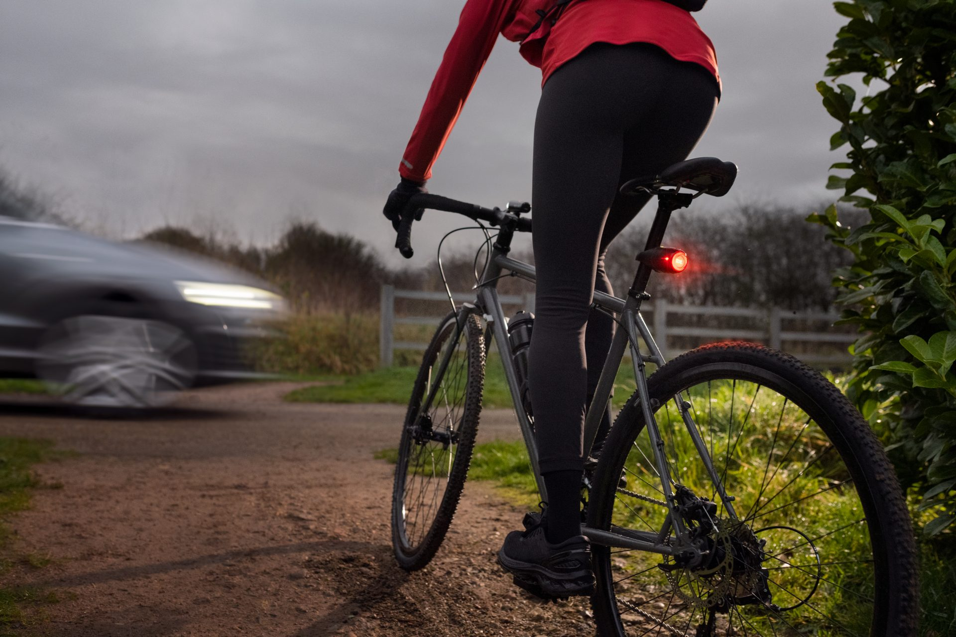 illustrative photo of the Curve Bike light shining brightly during a sudden brake